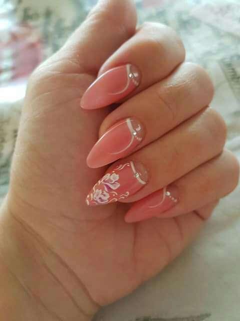 Imagen producto Curso de uñas y pestañas  3