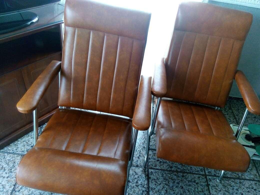 Imagen producto Vendo dos sillones de cuero 1