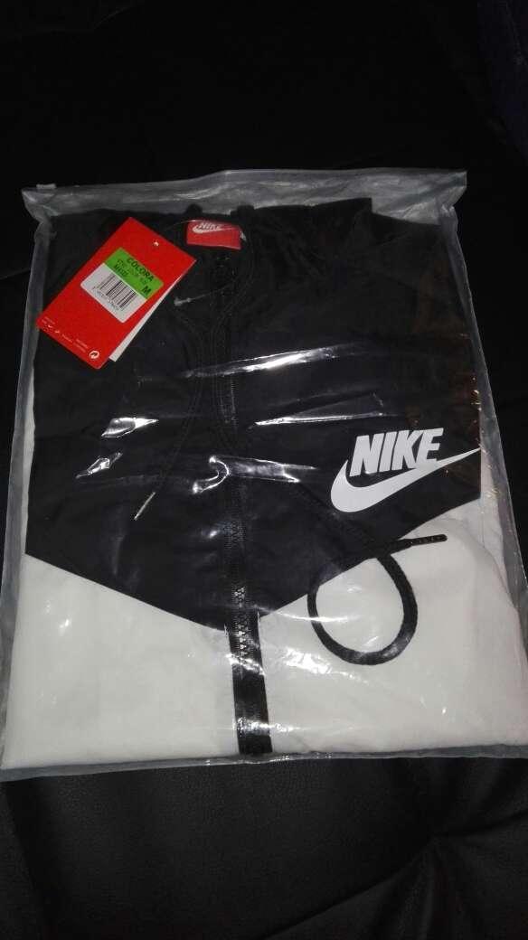 Imagen Chaqueta Nike