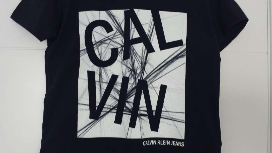 Imagen producto Camiseta CALVIN KLEIN Nueva  4