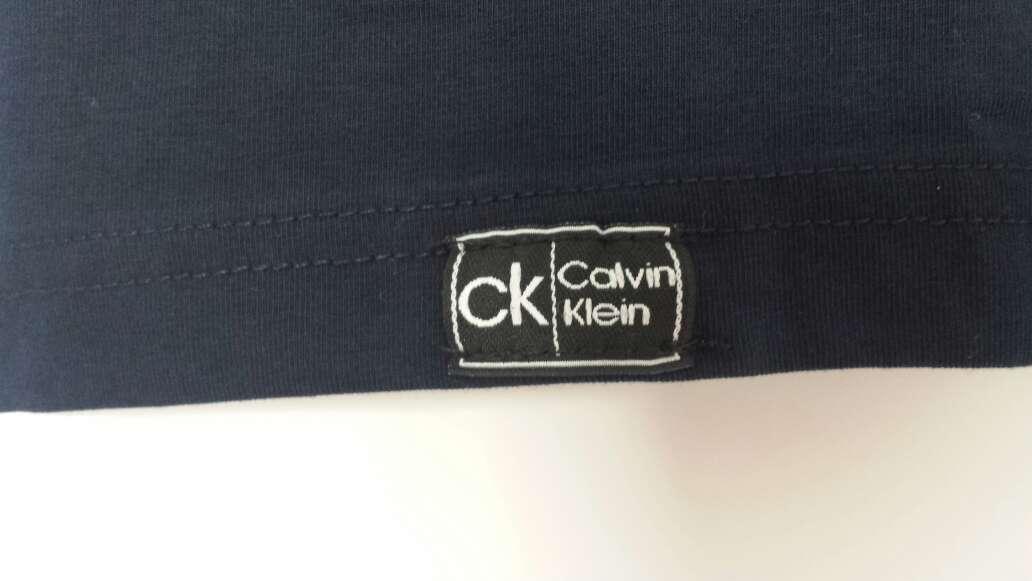Imagen producto Camiseta CALVIN KLEIN Nueva  3