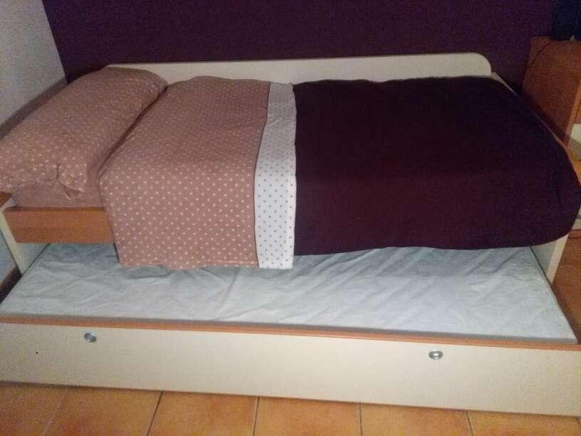 Imagen cama nido y mesita . de regalo escritorio a conjunto.