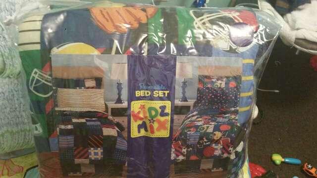 Imagen bed set of 8 pieces full new/ juego de cama full de 8 piesas nuevo