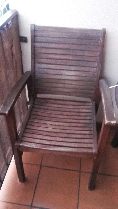 Imagen sillón de madera