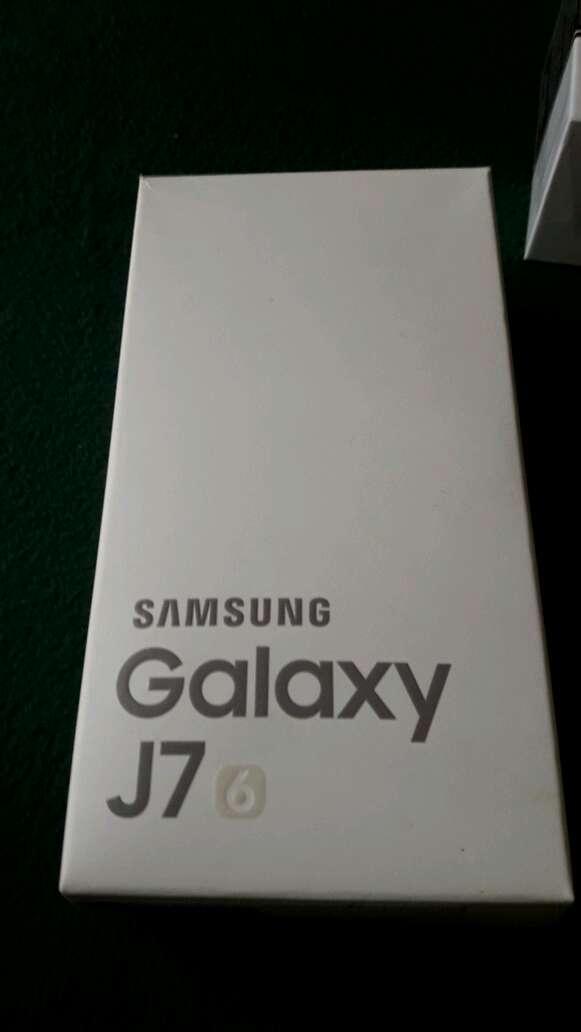 Imagen producto Samsung Galaxy J7 1