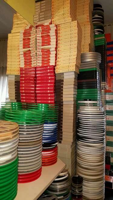 Imagen bobinas de peliculas en 8mm y super8 de plastico nuevas con cajas
