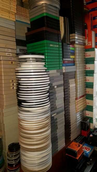 Imagen producto Bobinas de peliculas en 8mm y super8 de plastico nuevas con cajas 2