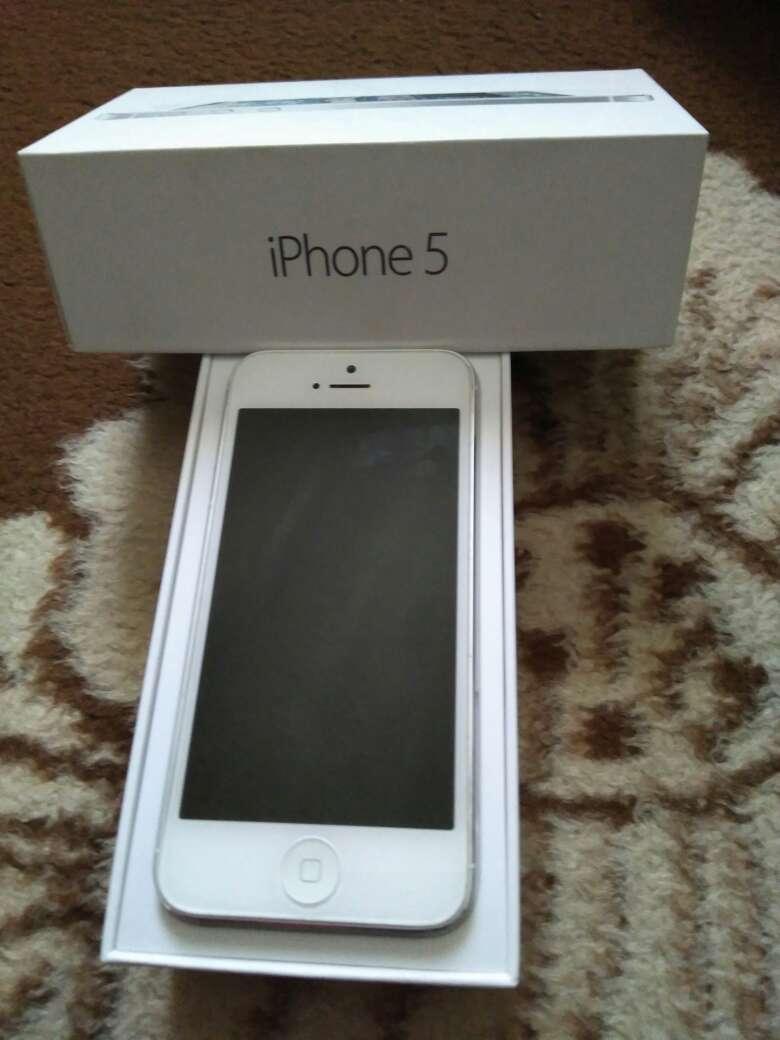 Imagen iPhone 5 blanco y silver,16gb impoluto