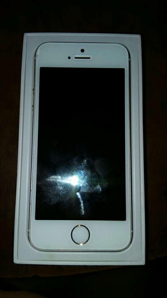 Imagen producto Iphone 5s dorado  4