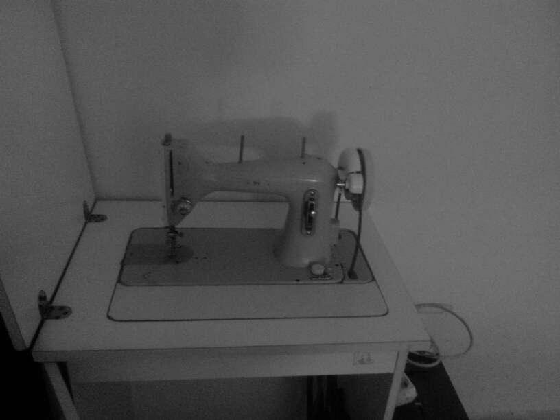 Imagen producto Maquina de coser antigua 2