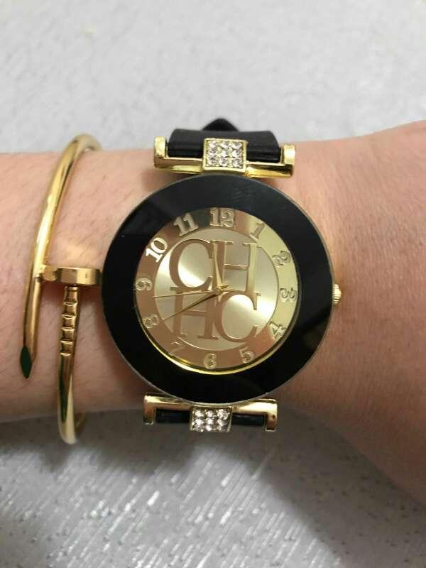 Imagen reloj CH muy elegante
