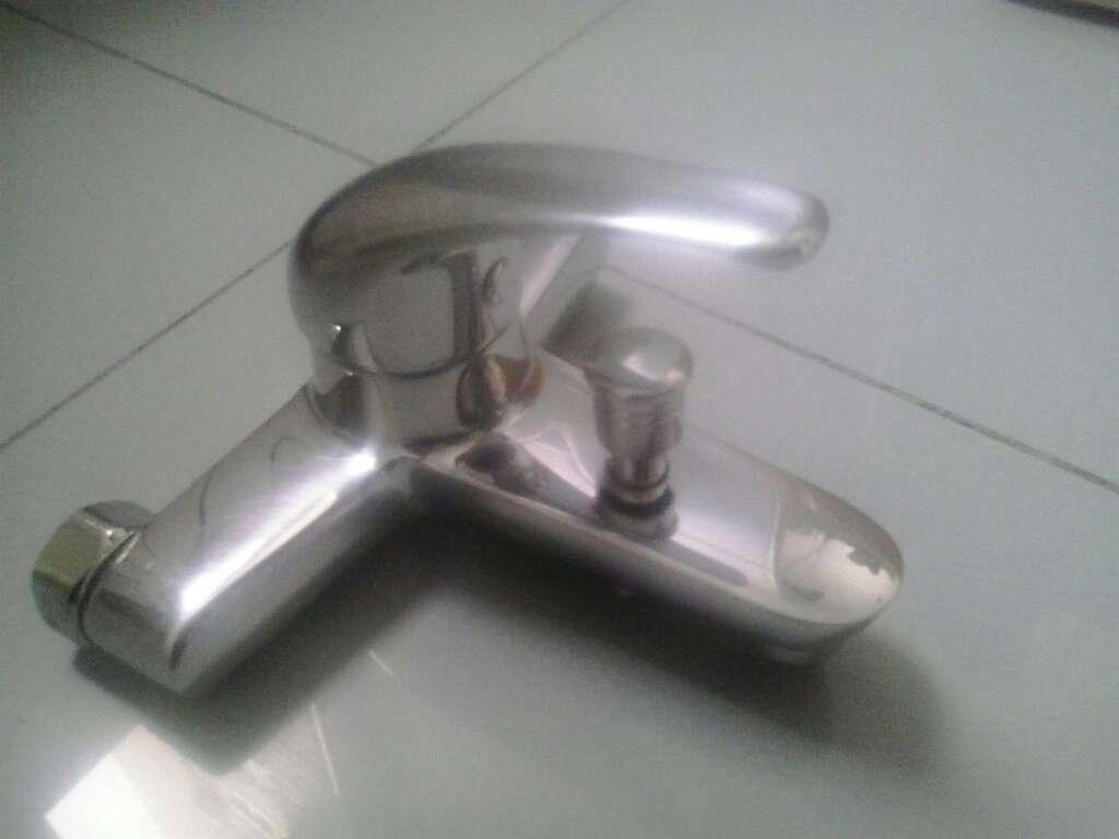 Imagen Grifo monomando bañera para reparar