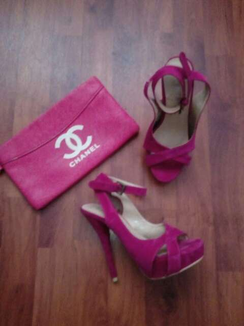 Imagen sandalias de color rosa