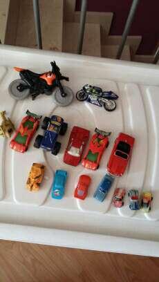Imagen lote de coches y motos