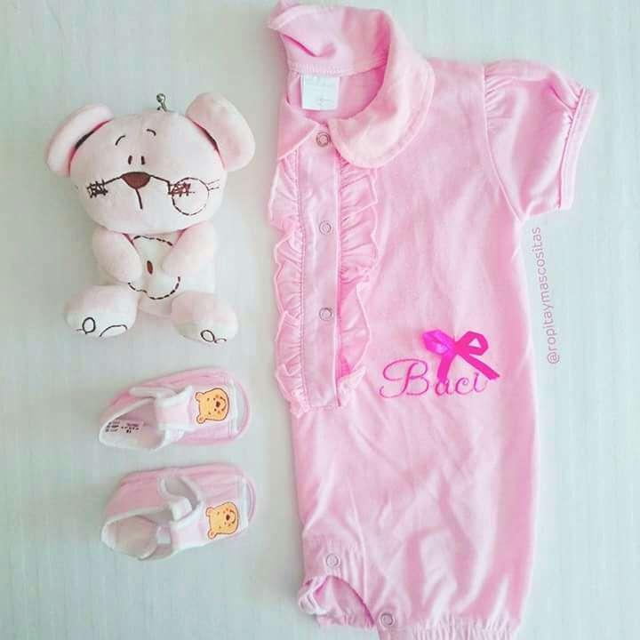 Imagen producto Oferta lote niñas. Plumas bolero y pijama  3