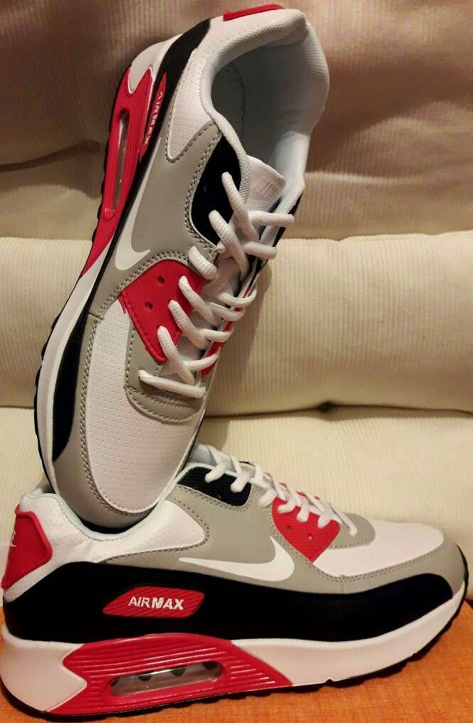 Imagen producto Zapatillas Nike en stock 3