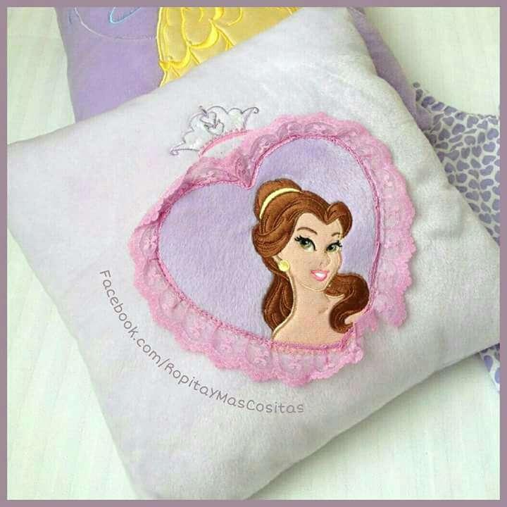 Imagen producto Bella Y Bestia DISNEY peluche Lunnis y Vestido  2