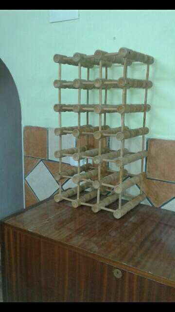 Imagen botellero de madera