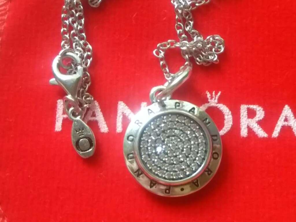 Imagen Medalla con CZ y cadena
