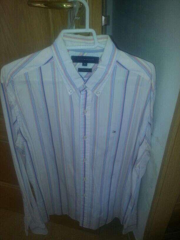Imagen camisa tommy hilfiger