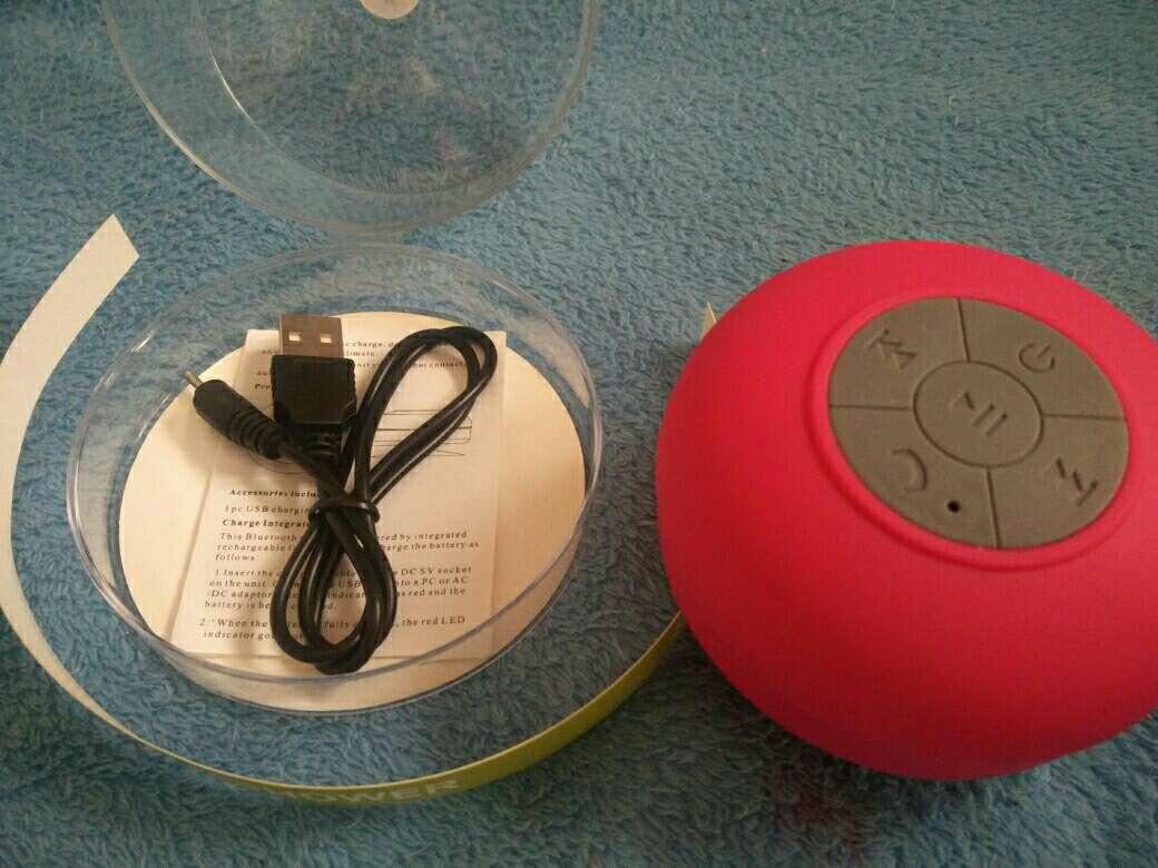 Imagen producto Altavoz Bluetooth Ducha Rosa 3