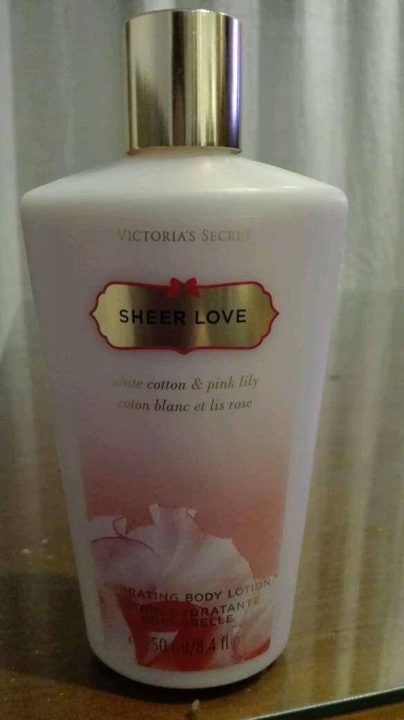 Imagen producto Crema Corporal Sheer Love 1
