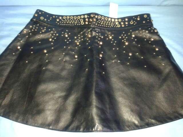 Imagen minifalda Zara polipiel tachuelas