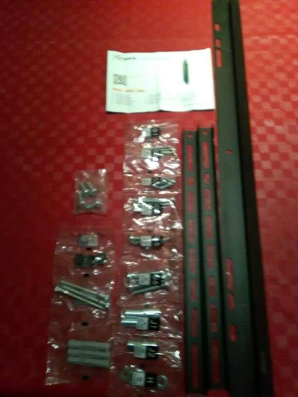Imagen producto Se vende 2 soportes de televisión LCD/LED/PLASMA 2