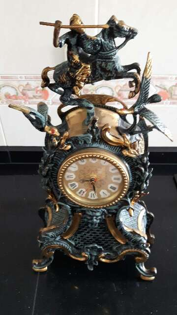 Imagen producto Se vende Reloj de Bronce antigui 2