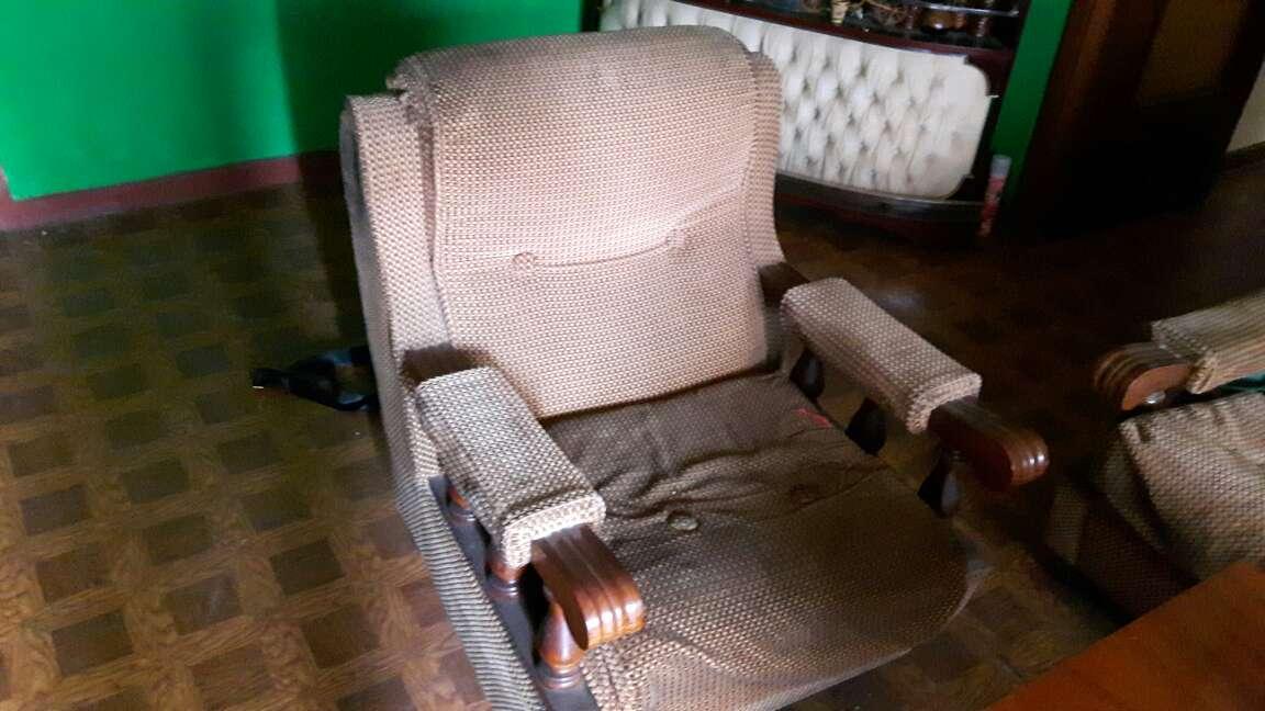 Imagen producto Se venden sofas antiguos 2