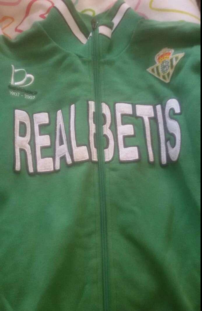 Imagen Sudadera + chandal Real Betis Balompié