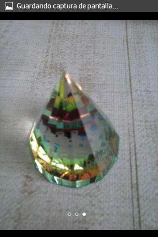 Imagen piramides de horoscopo de cristal