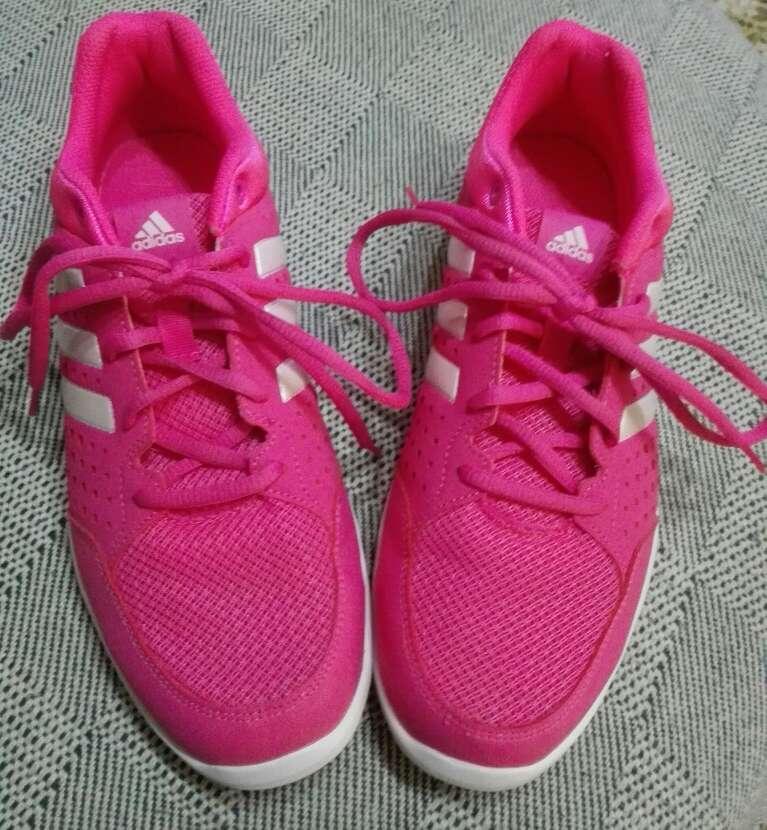 Imagen Zapatillas Deportivas rosas Adidas SIN estrenar mujer.40 y medio.