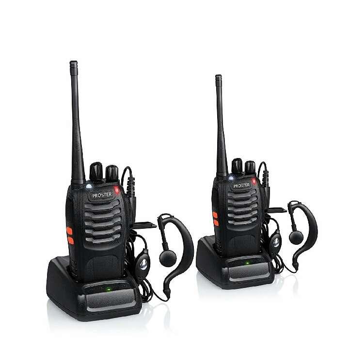 Imagen Proster Walkie Talkie Recargable 16 Canales UHF 400-470MHz CTCSS DCS Talkie walkie con el Auricular Incorporado Antorcha de LED y Cargador USB (2 PCS)