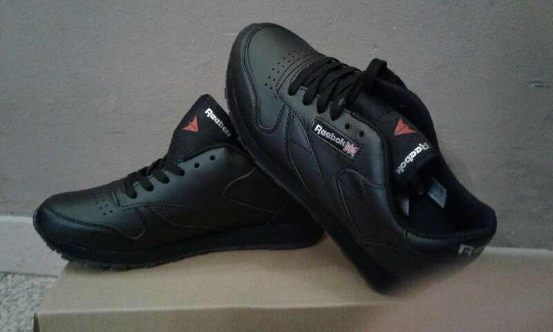 Imagen producto Zapatillas rebook adidas y nike 4