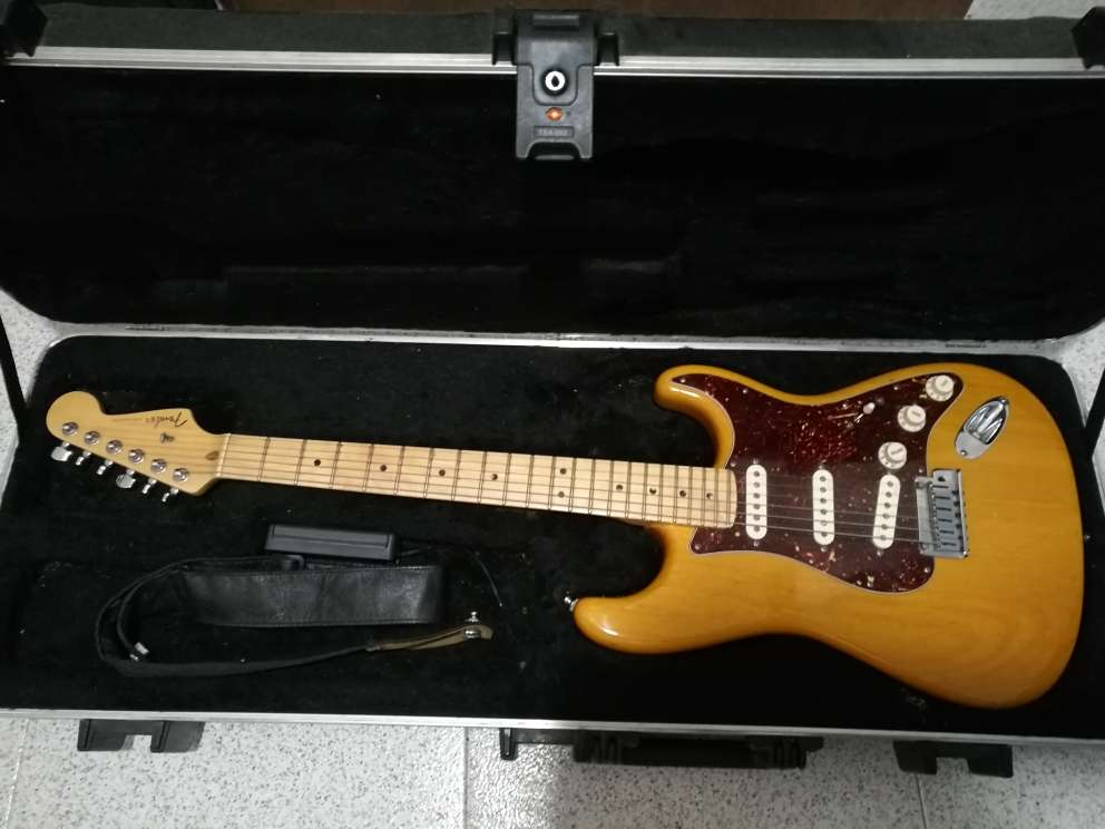 Imagen producto Fender stratocaster deluxe american 1