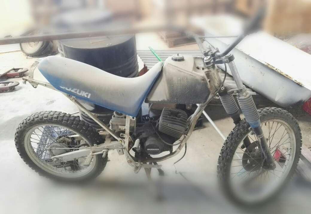 Imagen Motocicleta Motocross Suzuki para recambios