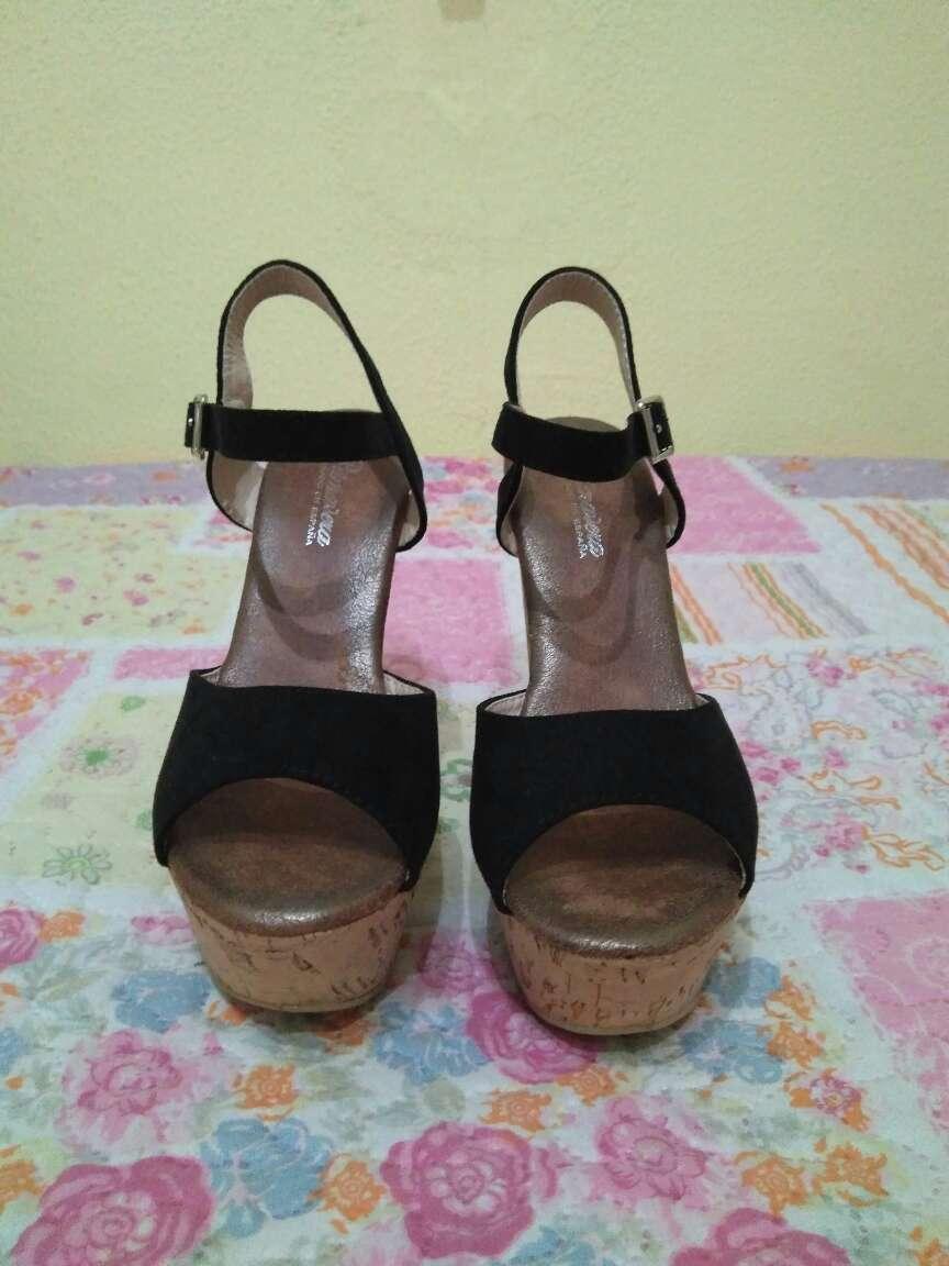 Imagen producto Zapatos negro ante tacon ancho 2