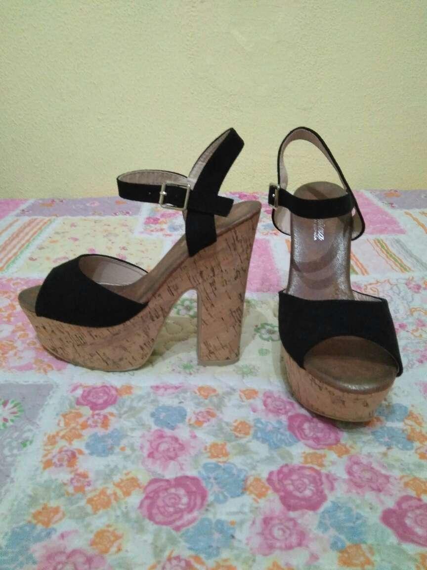 Imagen zapatos negro ante tacon ancho
