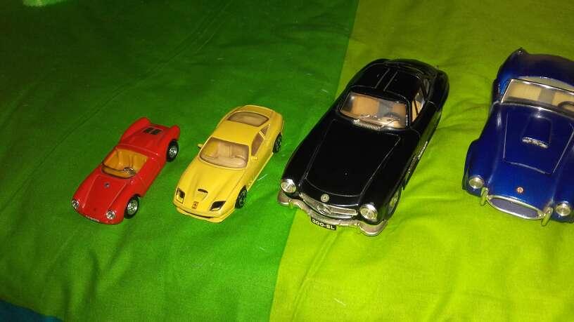 Imagen producto Lote coches de colección a escala 2