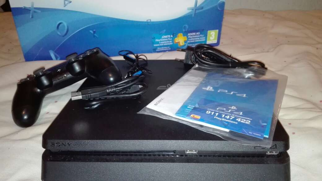 Imagen producto Play Station 4+Ps Plus 3