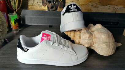 Imagen producto Zapatillas Adidas N40 nuevas  2