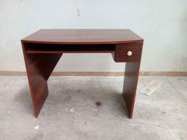 Imagen escritorio de madera