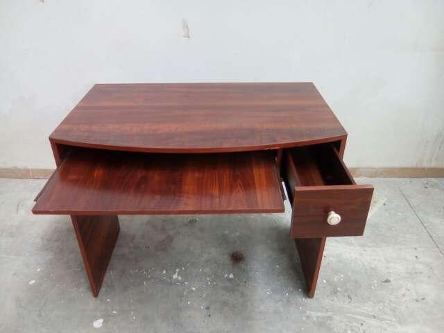 Imagen producto Escritorio de madera 2