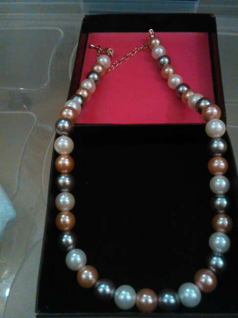 Imagen collar de perlas sinteticas