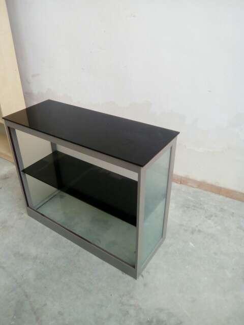 Imagen mueble de aluminio y cristal