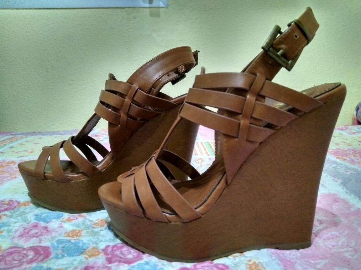 Imagen sandalias cuña color cuero