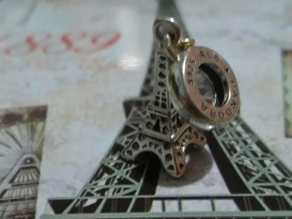 Imagen producto Charms (París)  2