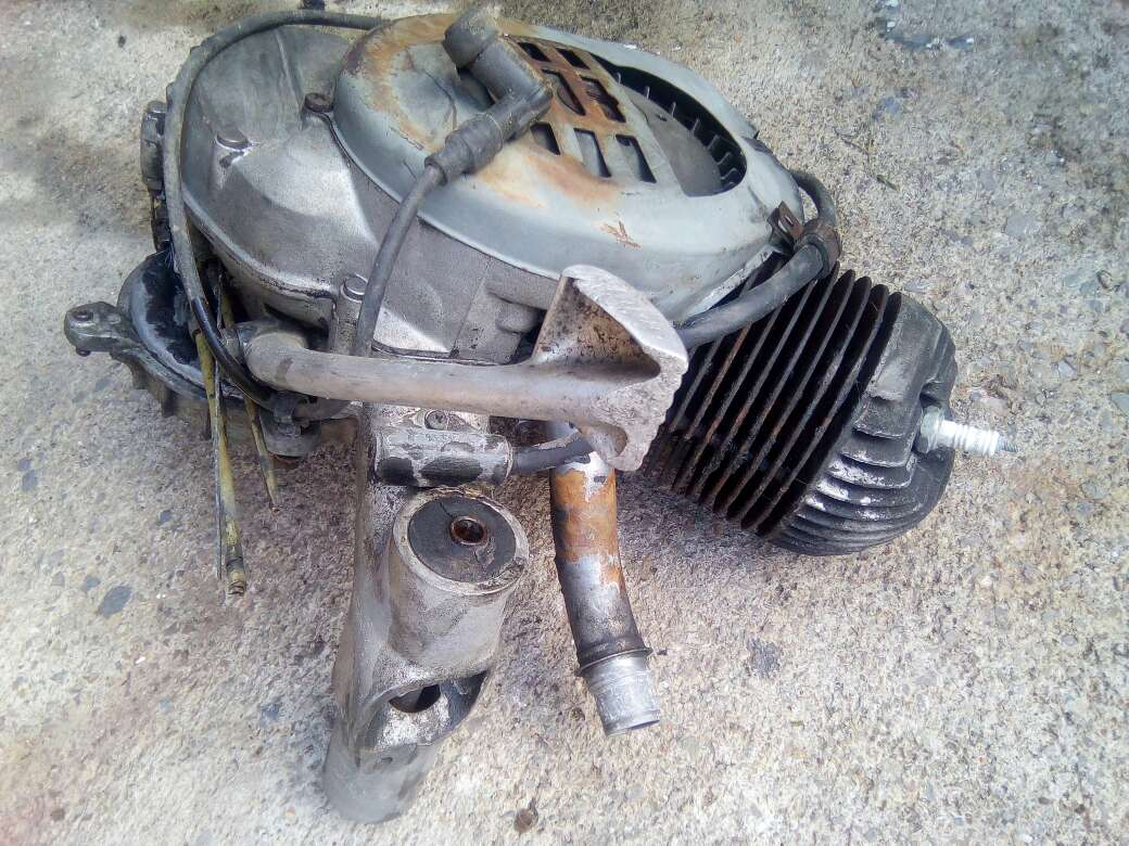Imagen motor de Vespa 125 cc