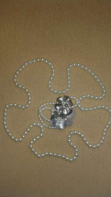 Imagen Collar y pulsera perlas.